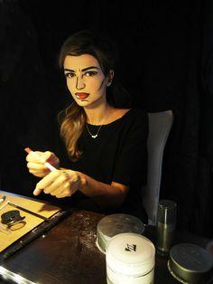 A living comic book. 10 pop art makeup looks! Theme Halloween, Halloween Cosplay, Halloween Make Up, Halloween Ideas, Halloween Costumes, Art Costume, Costume Makeup, Costume Ideas, Comic Book Makeup