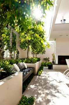 Best Totally Free small Garden Seating Concepts Outdoor spaces and patios beckon, particularly when weather gets warmer. Outdoor Areas, Outdoor Rooms, Outdoor Living, Indoor Outdoor, Outdoor Seating, Deck Seating, Wall Seating, Backyard Seating, Built In Garden Seating
