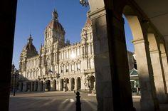 Conoce la Torre de Hércules, la Plaza de María Pita y el encanto de A Coruña
