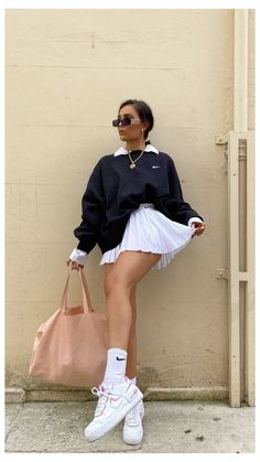 Adrette Outfits, Indie Outfits, Teen Fashion Outfits, Retro Outfits, Cute Casual Outfits, Look Fashion, Modest Fashion, 90s Fashion, Woman Outfits