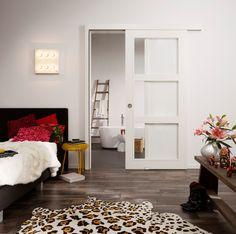 Ruimte = luxe. Daarom hebben ze bij Svedex een schuifdeursysteem ontwikkeld.   Stijlvol én efficiënt ruimte besparen!