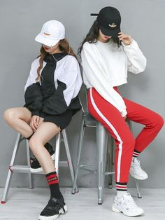 Official Korean Fashion : Korean Twin Fashion - Korean Twin Fashion – Official Korean Fashion - Source by mollyrobellarson fashion idea Korean Fashion Kpop, Korean Fashion Summer, Korean Fashion Trends, Ulzzang Fashion, Korea Fashion, Korean Outfits, Asian Fashion, Look Fashion, Girl Fashion