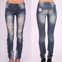 1 HR SALEAJA low rise skinnies - MED DENIM Super trendy & comfy SKINNY JEANS 98% COTTON, 2% SPANDEX. AVAILABLE IN MED & LIGHT DENIM Low rise skinny leg jeans. Traditional 5 pocket and zip fly zipper closure. *97% Cotton 3% Spandex Bellanblue Jeans Skinny