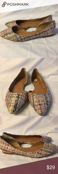 J.Crew Women's pointed flats Tweed Multicolor 7 J.Crew Tweed colorful pointed toe flats in a size 7.  The upper is in very good condition the sole shows some use and has skid resistant pads on it. J. Crew Shoes Flats & Loafers