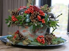 Inspiratiefilmpjes - Green your day Winter Floral Arrangements, Christmas Flower Arrangements, Christmas Greenery, Christmas Flowers, Christmas Holidays, Christmas Wreaths, Christmas Crafts, Christmas Party Decorations, Christmas Centerpieces