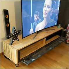 Recycled Wood Pallets TV Stand with Storage