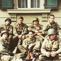 First on the right, standing is....yeah ! Tom Hardy in Band of Brothers, 2001
