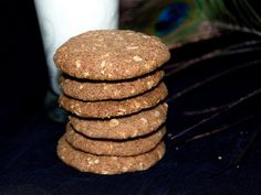 Healthy Ragi Cookies with Jaggery Healthy Cake, Healthy Baking, Baby Food Recipes, Indian Food Recipes, Eggless Cookie Recipes, Healthy Biscuits, Nutritious Meals, Tray Bakes, Cake Cookies