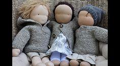 Auch die ganz Kleinen wollen es warm haben! Da haben die Puppen-Mamis und -Papis schon recht. Und mit diesen einfachen wie schönen Oberteilen kann ihnen dieser Wunsch leicht erfüllt werden. Die...
