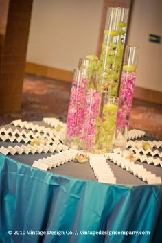 escort name card table style, using the chalk boards for guests to take their own to their table