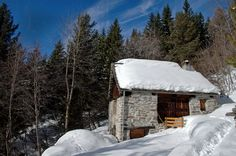 http://freecabinporn.com/post/42026097044/la-baita-a-stone-barn-in-val-dossola-in-the