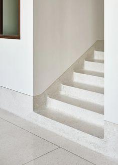 Terrazzo stair design for house in Mumbai, India Interior Staircase, Arch Interior, Modern Staircase, Staircase Design, Interior Exterior, Interior Architecture, Stair Design, Interior Design, Stair Handrail