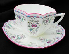 SHELLEY-QUEEN-ANNE-PINK-WHITE-TEA-CUP-AND-SAUCER