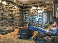 Airsoft hub is a social network that connects people with a passion for airsoft. Talk about the latest airsoft guns, tactical gear or simply share with others on this network Weapon Storage, Gun Storage, Plans Architecture, Architecture Design, Survival, Arsenal, Gun Vault, Hidden Gun, Gun Rooms