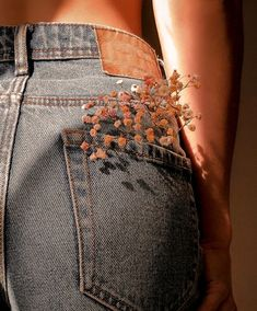 follow me ~ pin: anissasjournal Feel Like, Like You, Types Of Jeans, High Rise Mom Jeans, Beautiful Love, Every Girl, Black Skinnies, How Are You Feeling, Photoshoot