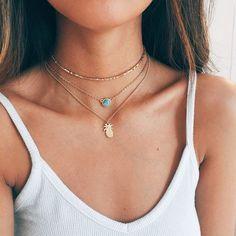 Fashion Blog: Choker Necklace with Charm - #fashion #blogging #blogger #fashionista #jewelry #chokers #choker #coolchokers #fashionable #fashiontrends - Layered choker