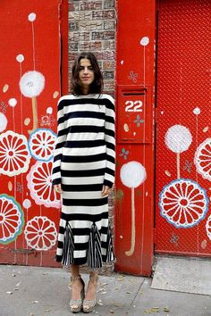 """Love her style but more importantly love her WORDS! """"New Year's Eve is Overrated, Your Outfit Doesn't Have to Be - Man Repeller"""" Estilo Fashion, Look Fashion, Milan Fashion, Use E Abuse, New Years Eve Outfits, Leandra Medine, Man Repeller, Inspiration Mode, Street Chic"""