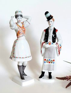 Vtg 1ft tall HOLLOHAZA Hungary Porcelain Figurines of a Man and Woman in Traditional Dress, Hungary Faience Figurines, Hungarian Folk