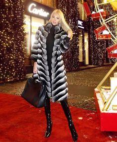 Curvy Girl Fashion, Fur Fashion, Winter Fashion, Womens Fashion, Chinchilla Fur Coat, Fox Fur Coat, Fur Coats, Sexy Women, Women Wear