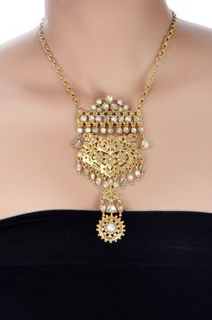 Amrapali: Silver Crystal and Pearl Floral Pendant Necklace ( India) Amrapali Jewellery, India Jewelry, Simple Jewelry, Jewelry Patterns, Necklace Designs, Fashion Jewelry, Gold Fashion, Fashion Necklace, Indian Fashion