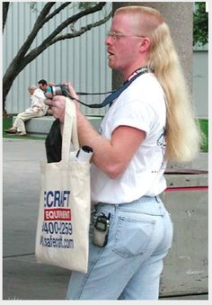 25 Sexiest People Of Walmart – Holytaco - Gotta ♥ Mullets! Darwin Awards, Bad Hair Day, I Love To Laugh, Make Me Smile, Cool Mullets, Que Horror, People Of Walmart, I Laughed, Creepy