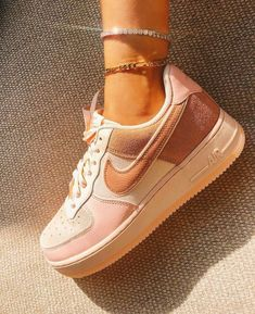 61 cute shoes for women that are very inspiring 4 Dr Shoes, Swag Shoes, Cute Nike Shoes, Cute Nikes, Nike Air Shoes, Hype Shoes, Me Too Shoes, Shoes Men, Converse Sneaker