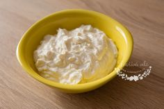 Česneková pomazánka na jednohubky 3x jinak - Tvořivá víla Icing, Pudding, Desserts, Food, Tailgate Desserts, Deserts, Custard Pudding, Essen, Puddings