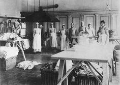 Ziekenhuis Coolsingel rond 1900. De was- en strijkafdeling. Rotterdam, Netherlands, Was, City, Painting, Vintage, Nostalgia, The Nederlands, The Netherlands