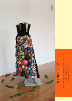 """""""Ball"""" Gown from marine trash Deb Ris ~ www. Ugly Dresses, Trash Art, Running On The Beach, Recycled Fashion, Recycle Plastic Bottles, Recycled Art, Creative Thinking, Craft Gifts, Wearable Art"""