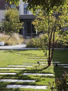 Garden Architecture, Engagement Ring Cuts, Go Green, Garden Design, Sidewalk, Instagram, Plants, Contemporary Gardens, Decking