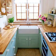 Magnificent Small kitchen cabinets with glass doors,Kitchen design layout examples and Kitchen remodel kansas city. Apartment Kitchen, Kitchen Interior, New Kitchen, Kitchen Decor, Kitchen Small, Narrow Kitchen, Tiny House Ideas Kitchen, Ideas For Small Houses, Kitchen Ideas For Small Spaces