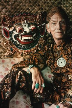 Theo Schoon(Dutch/New Zealander, Theo Schoon in Indonesian dress photographer unknown Theodorus Johannes Schoon was born on 31 July 1915 at Kebumen, Java, in the Dutch East Indies. Further Education, East India Company, Dutch East Indies, 1980s Dresses, Magnum Photos, People Of The World, Stone Carving, Beautiful World, Technical Schools
