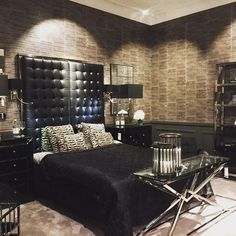 #bedroom #consoletable #furniture #glamour #black #bedsidelamp #room #home #style #primaverahome #eichholtz #accessories #