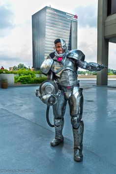 Cyborg cosplay. View more EPIC cosplay at http://pinterest.com/SuburbanFandom/cosplay/