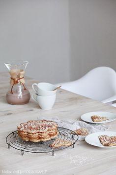 date, cinnamon & vanilla waffles