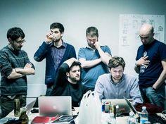 Coworking in Milan: http://www.deskmag.com/en/coworking-spaces-in-milan-italy-milano-800