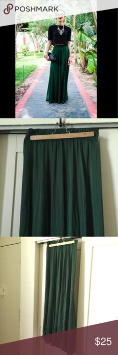 Zara hunter green maxi skirt - size M Zara maxi skirt. Beautiful jewel tone dark green color. Soft and silky fabric. Great for the fall! Elastic waist. Zara Skirts Maxi
