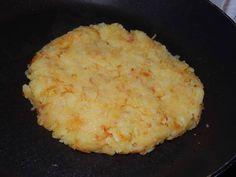 Röszti burgonya recept lépés 4 foto Mashed Potatoes, Ethnic Recipes, Food, Whipped Potatoes, Smash Potatoes, Essen, Meals, Yemek, Eten