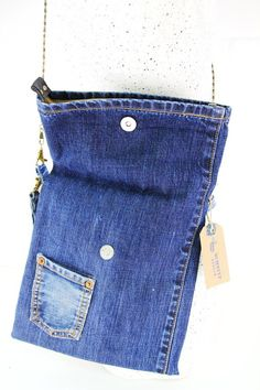 Clutch/ Small Denim Purse / Jeans Handbag – Purses And Handbags Diy Denim Clutch Bags, Denim Handbags, Denim Bag, Purses And Handbags, Jean Crafts, Denim Crafts, Diy African Jewelry, Jean Purses, Diy Handbag