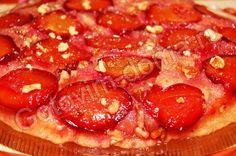 Пирог со сливами Татен