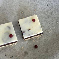 Mazurek ześliwkami i czekoladą