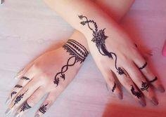 detailed mehndi design for hand Mehandi Design Henna Design# Mehandi Art Mehandi Art Henna Art Beautiful henna design by how lush the paste look like! Make the design so beautiful detailed mehndi design for hand Henna Tattoo Designs Simple, Finger Henna Designs, Henna Art Designs, Mehndi Designs For Beginners, Modern Mehndi Designs, Mehndi Design Photos, Mehndi Designs For Fingers, Arabic Mehndi Designs, Latest Mehndi Designs