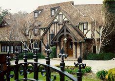 pasadena tudor houses   Classic Tudor style home architecture in San Marino   Nott ...