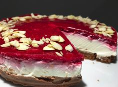 Prepared without sugar, without flour and above all in just 10 minutes: Cheesecake with … - Food and Drink Paleo Dessert, Sweet Recipes, Cake Recipes, Healthy Deserts, Pavlova, Summer Desserts, No Bake Cake, Amazing Cakes, Food Inspiration