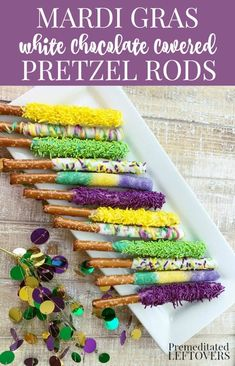 This quick and easy White Chocolate Covered Pretzel Rods recipe with purple green and gold sprinkles will add a festive touch to your Mardi Gras party. Mardi Gras Desserts, Mardi Gras Food, Mardi Gras Decorations, Holiday Treats, Holiday Recipes, Dinner Recipes, Candy Recipes, Mardi Gras Party Theme, White Chocolate Covered Pretzels