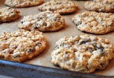 Oatmeal - Gluten Free Amazing Easy Cookies Even Microwave Them Using just 3 ingredients, make super healthy cookies with minimal effort. Desserts Végétaliens, Healthy Desserts, Dessert Recipes, Eat Healthy, Healthy Recipes, Ww Recipes, Cookie Recipes, Skinny Recipes, Snacks
