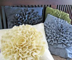 Very cute pillows. Cute Pillows, Diy Pillows, Decorative Pillows, Cushions, Throw Pillows, Make Your Own Pillow, Felt Pillow, Felt Flower Pillow, Sewing Pillows