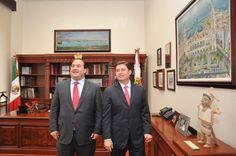 El Gobernador de Veracruz, Javier Duarte de Ochoa, asistió a Reunión con el Gobernador del Estado de Nuevo León, Rodrigo Medina de la Cruz, que se llevó a cabo el 10 de abril de 2012, donde dialogaron sobre varios temas importantes que serán de gran beneficio para ambas entidades.