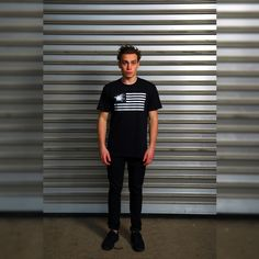 """Das Frischfleisch """"FRLC Flagge"""" Motiv aus der Frischfleisch """"HALB UND HALB"""" Kollektion! Jetzt zuschlagen im Frischfleisch Online Shop.  www.frischfleisch-shop.com/shop  #Frischfleisch #Streetwear #Tshirt #CestLaVieh #Kreationsmästung #MastHave #StirbHandzahm"""