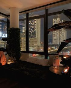 Night Aesthetic, City Aesthetic, Aesthetic Bedroom, City View Apartment, Dream Apartment, New York Life, Nyc Life, City Life, Appartement New York